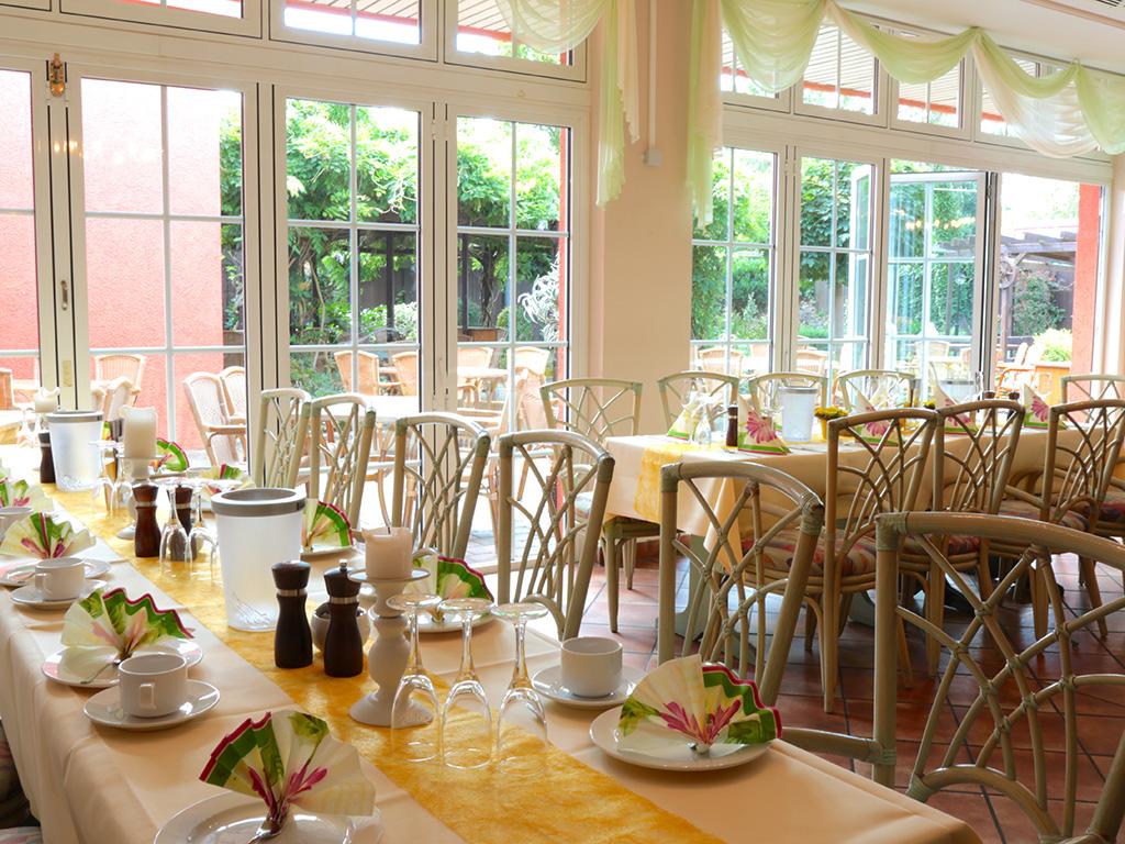 gasthof alt engelsdorf hotel und restaurant geniessen in leipzig r umlichkeiten. Black Bedroom Furniture Sets. Home Design Ideas