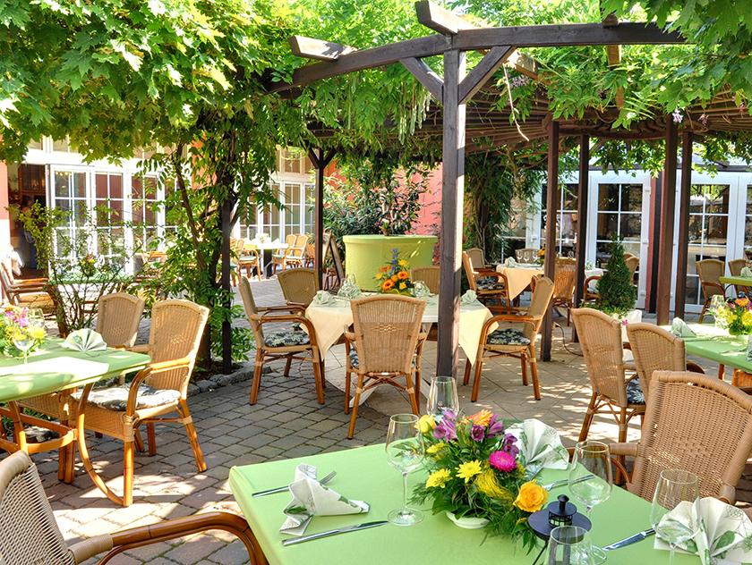 gasthof alt engelsdorf hotel und restaurant geniessen in leipzig feiern. Black Bedroom Furniture Sets. Home Design Ideas