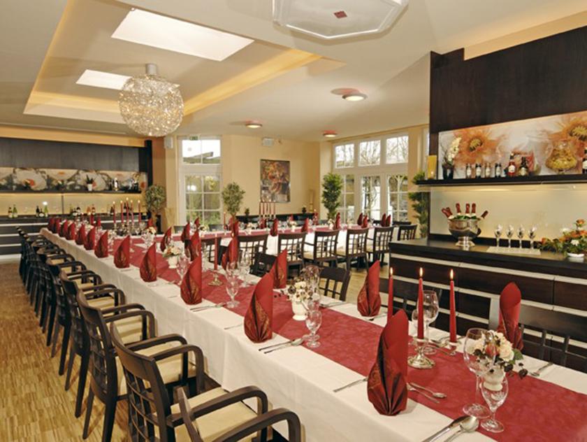 gasthof alt engelsdorf hotel und restaurant geniessen in leipzig hochzeitsarrangement. Black Bedroom Furniture Sets. Home Design Ideas